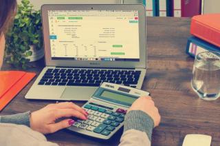 Calculate finances
